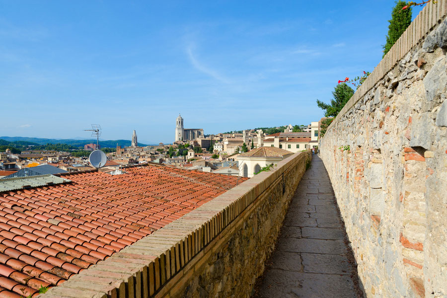 Крепостные стены Жироны